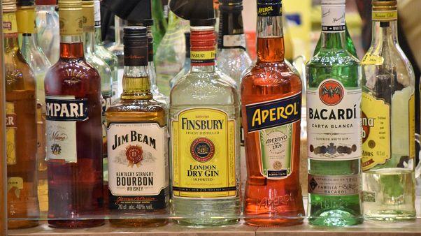 Alkohol birgt gleich mehrere Gefahren in Zeiten von Ausgangssperren.