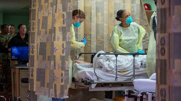 چرا خواباندن بیماران کرونا روی شکم میتواند جانشان را نجات دهد؟