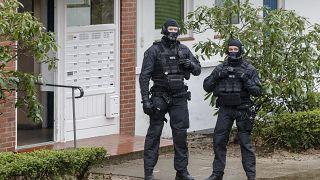 Almanya'da polis baskını