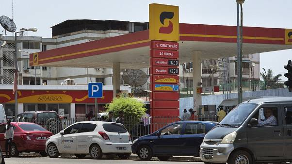 Angola deve sofrer corte de 18% na produção de petróleo