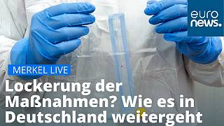 Werden die Ausgangssperren gelockert? Mit Spannung wird erwartet, was Merkel und die Ministerpräsidenten beschlossen haben.