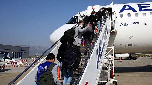 یونان ترکیه را متهم و گروهی پناهجویجوان را به اتحادیهاروپا منتقل کرد