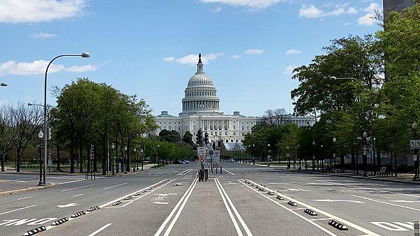 La Pennsylvania Avenue déserte devant le Capitole des États-Unis à Washington, le 15 avril 2020.