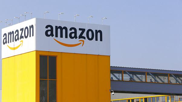 """Tribunal """"obriga"""" Amazon a encerrar centros de distribuição em França"""