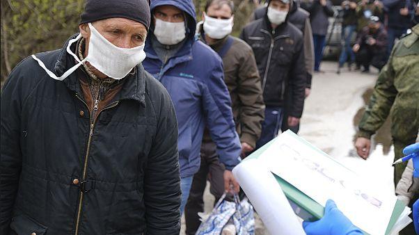 Donbass: stallo dei negoziati. Ucraini e russi restano sul piede di guerra