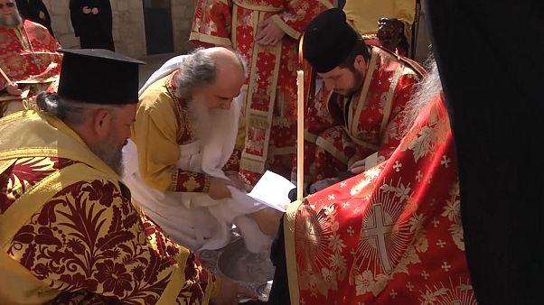 ویدئو؛ مراسم شستشوی پا در آستانه عیدپاک ارتدوکسها در کلیسای رستاخیز بیتالمقدس