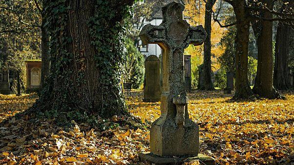 مقابر نيويورك غير قادرة على استقبال مزيد من موتى كورونا