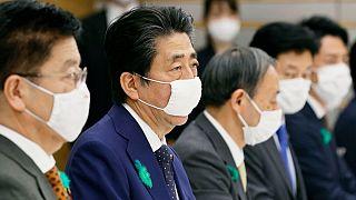 شینزو آبه وضعیت اضطراری را به سراسر ژاپن گسترش داد