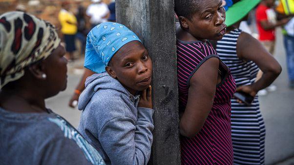 Güney Afrika'da gıda kuyruğu