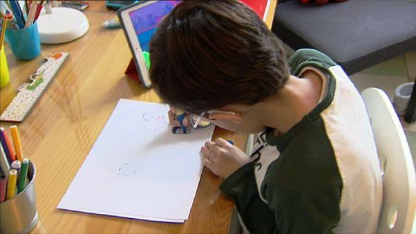 Obesidad, estrés... España se inquieta por la salud de sus niños confinados