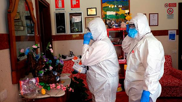إيطاليا تفتح تحقيقاً في وفيات دار مسنين يشتبه أنها نجمت عن فيروس كورونا