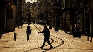 Koronavirüs salgını nedeniyle İstanbul'da caddeler boş kaldı
