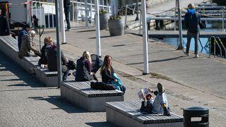 Napfürdőzők Stockholmban