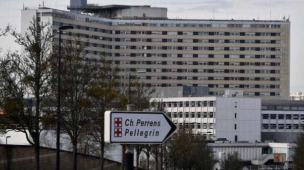 مستشفى بوردو الجامعي في فرنسا