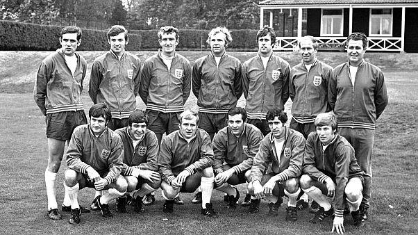 نورمن هانتر ایستاده نفر اول از سمت چپ در میان دیگر اعضای تیم ملی انگلستان در سال ۱۹۶۹