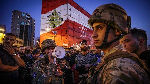 بازگشت معترضان لبنانی به خیابان با وجود قرنطینه؛ «از گرسنگی میمیریم یا کرونا؟»