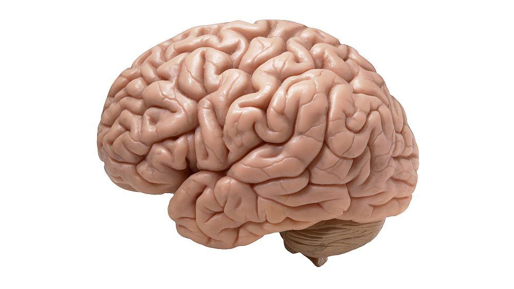 Covid-19'un beyne etkileri: Kafa karışıklığı, nöbet, felç