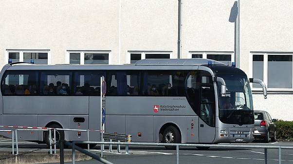 Yunanistan'da ayrılan mülteci çocukları taşıyan otobüs/Almanya