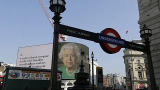 Kraliçe Elizabeth 94'ncü yaş günü kutlamalarını iptal etti