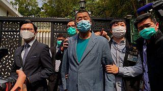 پلیس هنگ کنگ ۱۴ رهبر جنبش مخالفان را دستگیر کرد
