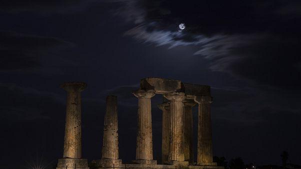 Yunanistan'ın başkenti Atina'daki Apollo Tapınağı
