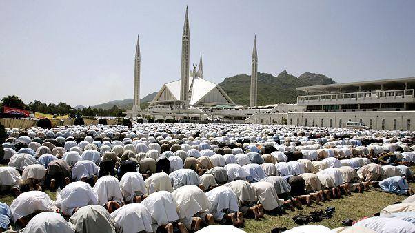 Pakistan'ın başkenti İslamabad'daki Faysal Camisi