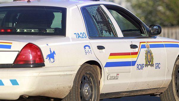 Canada: si traveste da poliziotto e apre il fuoco. Fa tantissimi morti
