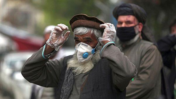 ابتلای ۲۰ کارمند ارگ کابل به کرونا؛ شمار مبتلایان افغانستان از هزار نفر گذشت