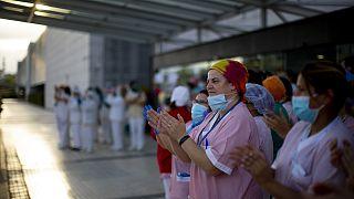 Не только аплодисменты: стресс медработников Испании