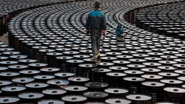 ABD petrolünün vadeli kontrat fiyatı tarihte ilk defa eksiye düştü