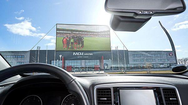 Drive-in γήπεδο από τη Μίντιλαντ