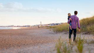 آباء أمريكيون منفصلون يرفضون الامتثال لقواعد الحضانة المشتركة في زمن كورونا