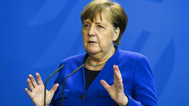 Almanya Başbakanı Merkel: Karantinayı gevşetiyoruz ancak 'dikkatli ve disiplinli' olmalıyız