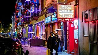 ژاپن در دوران شیوع کرونا به کارگران جنسی کمک مالی میکند