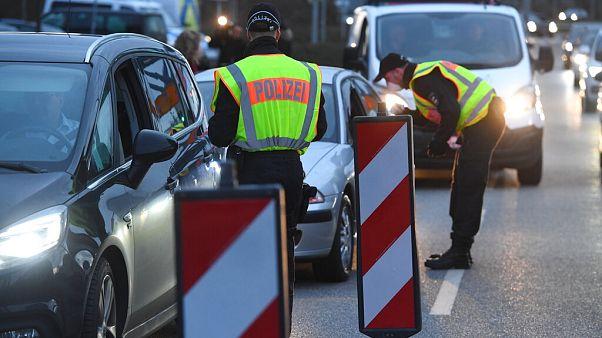 In Bayern gestoppt: Paar macht Europareise und lässt 3 Kinder daheim