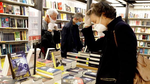 Bookstores Reopen In Italy Providing A Glimpse Of The New Normal Euronews