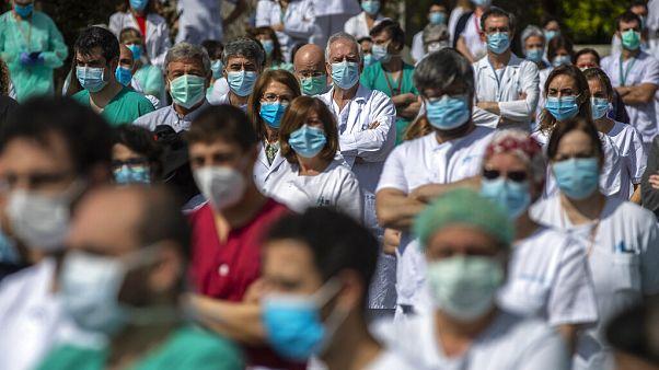 Spagna, in lieve aumento le vittime del coronavirus