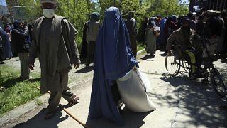 Afganistan'ın başkenti Kabil. Halk, koronavirüs salgınının yanı sıra günlük saldırıların da hedefi haline geliyor