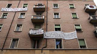 """""""Somos todos trabajadores precarios"""": Un edificio entero en Bolonia se niega a pagar el alquiler"""