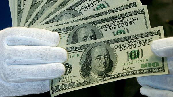 پایینترین نرخ دلار در سال ۹۹ دوام نیاورد؛ چرا نرخ ارز در ایران دوباره بالا رفت؟