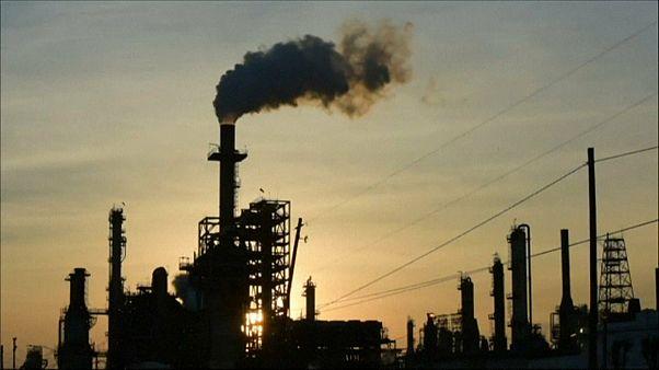 Coronavirus : jamais le cours du pétrole n'avait été aussi bas depuis 20 ans