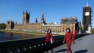 Covid-19: Αυξάνεται ο τραγικός απολογισμός σε Μ. Βρετανία και Γαλλία