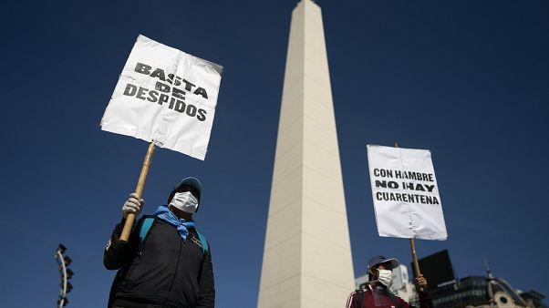Entender porqué Argentina no se libra de su deuda