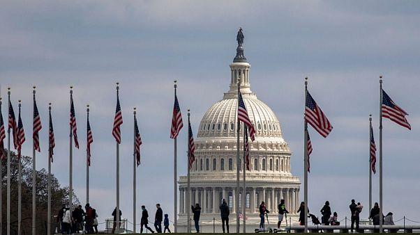 توافق جدید جمهوریخواهان و دموکراتهای آمریکا برای افزایش کمک به بخشهای اقتصادی