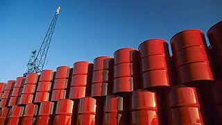 Brent petrol düşük talep ve arz fazlasındaki artışla piyasalarda 20 doların altına geriledi