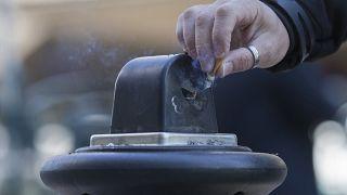 Wegen Coronavirus: Frankreich limitiert Verkauf von Nikotinpflastern