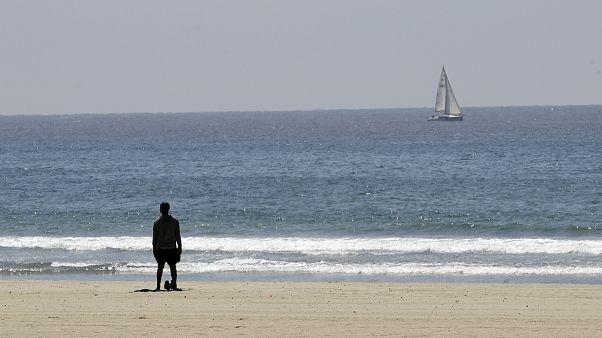 انعزلا في المحيط شهراً ولمّا عادا.. كانت الصدمة العنيفة