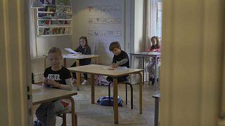 Los escolares daneses vuelven a las aulas pero con reglas contra el coronavirus