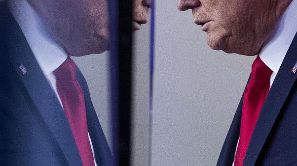 Trump asegura que descienden los contagios por cronavirus en EEUU