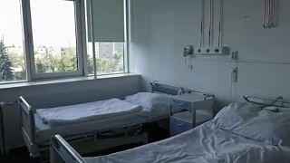 Hungría manda a enfermos a casa para dejar sitio a pacientes de COVID-19